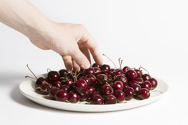 cherries-1868804_640