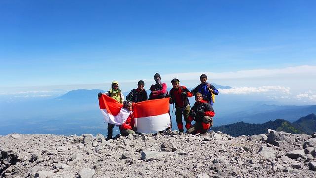 summit-1754735_640