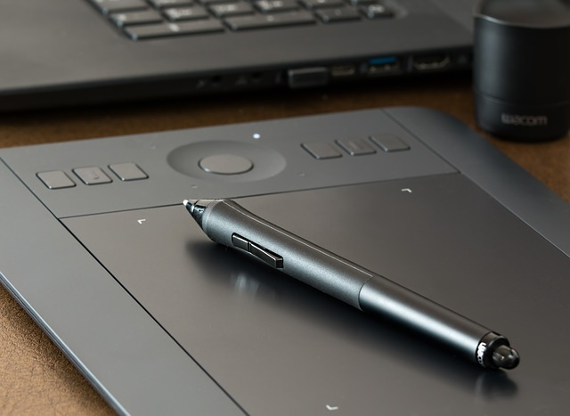 graphics-tablet-1964816_640