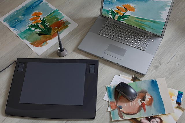 graphics-tablet-3256600_640